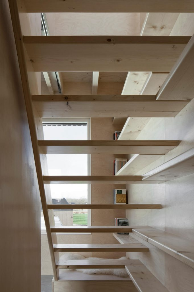 Tiny House verticale escalier